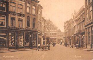 Ansichtkaart Gouda Wijdstraat met sigarenwinkel D.G. van Vreumingen 1924 HC17141