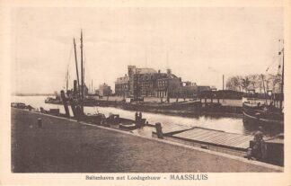 Ansichtkaart Maassluis Buitenhaven met Loodsgebouw Binnenvaart schepen Scheepvaart HC17151