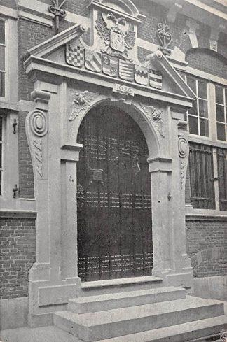 Ansichtkaart Maassluis Gemeenlandshuis van Delfland Ingang aan den Voorgevel HC17157