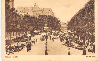 Ansichtkaart Arnhem Groote Markt Marktdag met volk Tram 1921 HC17199