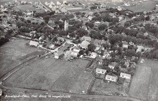 Ansichtkaart Ameland Nes Het dorp in vogelvlucht 1960 KLM Luchtfoto no. 33169 HC17310