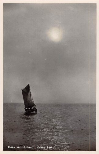 Ansichtkaart Hoek van Holland Vissers schip op Kalme Zee HC17365