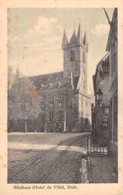 Ansichtkaart Sluis (ZL) Stadhuis (Hotel de Ville) met tramspoor Zeeuws-Vlaanderen HC17534