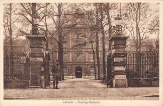 Ansichtkaart Utrecht Vesting Kazerne met soldaat op wacht 1929 Militair HC17596