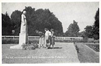 Ansichtkaart Putten Bij het monument der 600 weggevoerde Puttenaren Veluwe HC17742