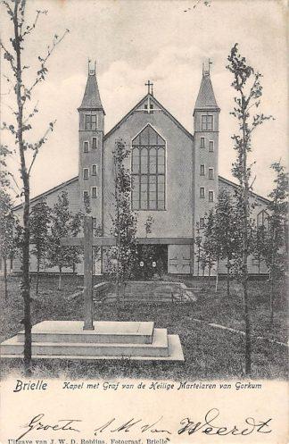 Ansichtkaart Brielle Kapel met Graf van de Heilige Martelaren van Gorkum 1904 HC18037