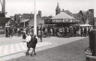Ansichtkaart Zo was Dordrecht Bethlehemplein met 1935 (DAWA-week) Kermis HC18181