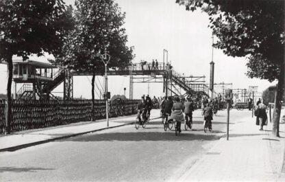 Ansichtkaart Zo was Dordrecht Overweg Krispijn 1937 Spoorwegen HC18187