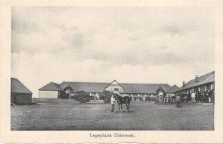 Ansichtkaart Legerplaats Oldebroek Kazerne Soldaten met paarden Militair Veluwe HC18223