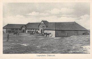Ansichtkaart Legerplaats Oldebroek Kazerne Soldaten bij de stal met paarden Militair Veluwe HC18224