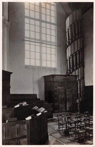 Ansichtkaart Hoorn Interieur Oost kerk met typischen wenteltrap HC18273