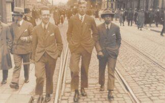Ansichtkaart Leiden Fotokaart Studenten 3 October 1928 HC18330