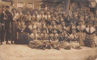 Ansichtkaart Holwerd Fotokaart 1913 Vrouwenvereniging Klederdracht Boven Dokkum Uitgave J. Dwinger Leeuwarden HC18332