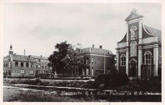 Ansichtkaart Haastrecht R.K. kerk Pastorie en R.K. School Vlist Krimpenerwaard HC18342