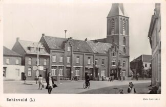 Ansichtkaart Schinveld Limburg Wilhelminaplein met Gemeentehuis en Kerktoren Beekdaelen HC18384