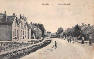 Ansichtkaart Bergeik Bergeijk Schoolstraat HC18467