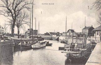 Ansichtkaart Sluis (ZL) Haven met schepen Scheepvaart Zeeuws-Vlaanderen HC18478
