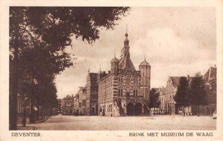 Ansichtkaart Deventer Brink met Museum de Waag 1923  HC18680
