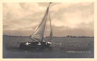 Ansichtkaart Loosdrecht Fotokaart Loosdrechtsche Plassen met zeilboot Hilversum HC18703