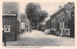 Ansichtkaart Serooskerke W. Dorpstraat met Gemeentehuis HC18977