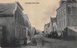 Ansichtkaart Dirksland Voorstraat met Hotel Goeree-Overflakkee HC18989