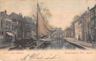 Ansichtkaart Gouda Rotterdamsche Veer en Nonnenwater Binnenvaart schepen Rechts de melkboer met de Koperen Kan HC19038