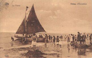 Ansichtkaart België De Panne La Panne Bateau d'Excursion op het strand Europa HC19080