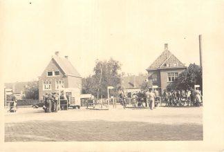Ansichtkaart Eindhoven Raiffeisenstraat BBA - Busstation met Bus en volk Fotokaart HC19125