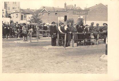 Ansichtkaart Eindhoven Raiffeisenstraat BBA - Bus station met halte 5 naar Veghel en Oss met conducteur Fotokaart HC19126