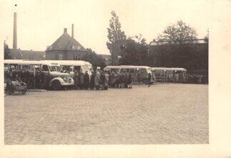 Ansichtkaart Eindhoven Raiffeisenstraat BBA - Bus station met bussen en volk Fotokaart HC19127