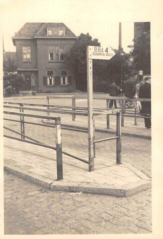 Ansichtkaart Eindhoven Raiffeisenstraat met BBA - Bus station Halte 4 naar St. Oedenrode en 's-Hertogenbosch Fotokaart HC19128