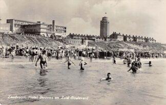 Ansichtkaart Zandvoort Hotel Bouwes en Zuid-Boulevard Watertoren Strand en zee 1958 C19414