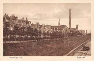 Ansichtkaart IJmuiden Wilhelmina Kade met kerk en spoorlijn HC19504