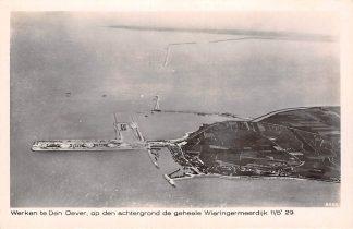 Ansichtkaart Den Oever Werken, op den achtergrond de geheele Wieringermeer dijk 1929 IJsselmeer Zuiderzee KLM Luchtfoto 8465 HC19507