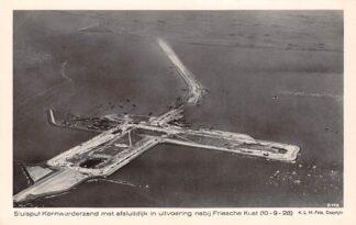 Ansichtkaart Kornwerderzand Sluisput met Afsluitdijk in uitvoering nabij Friesche kust 1928 KLM Luchtfoto 8146 Harlingen IJsselmeer Zuiderzee HC19510