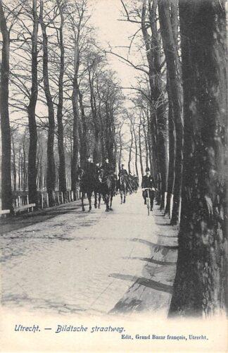 Ansichtkaart De Bilt Utrecht Bildtsche Straatweg met soldaten te paard Militair HC19647