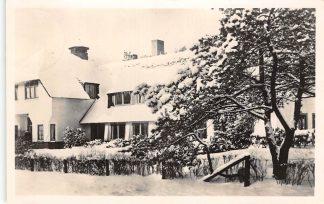Ansichtkaart Bilthoven Broederschapshuis in de winter in de sneeuw 1952 HC19661