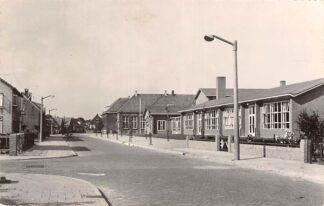 Ansichtkaart Oude Tonge Emmastraat School 1958 Goeree-Flakkee HC19836