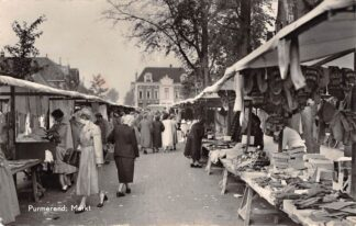 Ansichtkaart Purmerend Markt met marktkramen 1959 HC19841