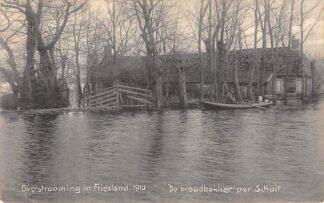 Ansichtkaart Friesland Overstrooming 1910 De Broodbakker per schuit Onbekend Watersnood HC20062