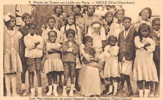 Ansichtkaart Zuid-Afrika Missiën der Zusters van Liefde van Maria Heule West-Vlaanderen Zuster Marie-Adelaide met een groepje Indiaansche kinderen Noord-Transvaal Afrika Africa België HC20177