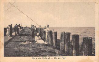 Ansichtkaart Hoek van Holland Vissen op de Pier 1922 HC20355