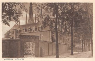 Ansichtkaart Woerden Klooster met R.K. kerk 1930 HC20491