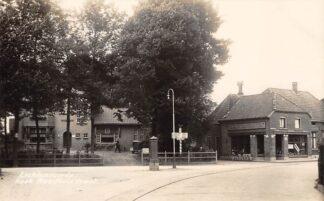 Ansichtkaart Lichtenvoorde Hoek Stationsstraat met smederij en tramspoor Newo fotokaart HC20500