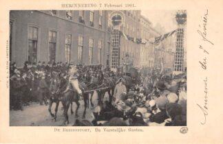 Ansichtkaart 's-Gravenhage Herinnering 7 Februari 1901 De Bruidsstoet De Vorstelijke Gasten Koningshuis HC20689