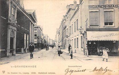 Ansichtkaart 's-Gravenhage Assendelftstraat met Sigarenmagazijn 1903 HC20724