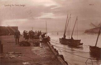 Ansichtkaart Engeland Landing the Catch 1913 Vissers schepen England Great Britain Europa HC21192