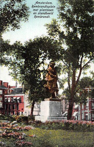 Ansichtkaart Amsterdam Rembrandtsplein met plantsoen en standbeeld Rembrandt 1928 HC21341
