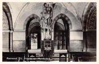 Ansichtkaart Roermond O.L. Vrouwe van Munster kerk Interieur 1955 HC21588