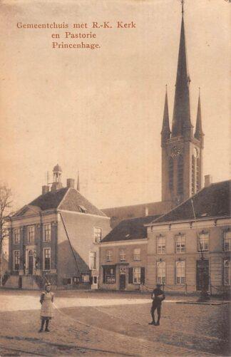 Ansichtkaart Princenhage Gemeentehuis met R.K. Kerk en Pastorie Breda HC21649